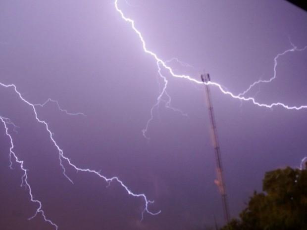 mais-de-18-mil-raios-atingem-ms-em-uma-hora-diz-meteorologista