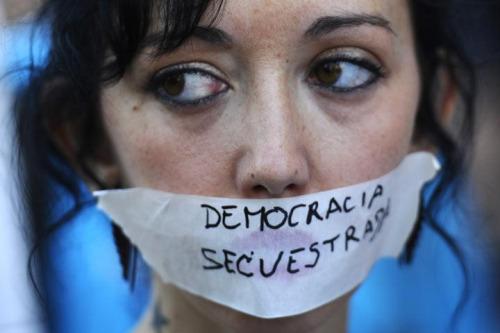 democracia sequestrada