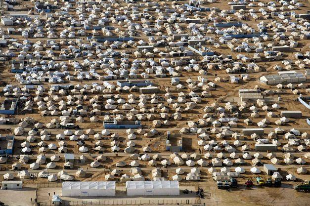 vista-de-campo-de-refugiados-zaatri-na-jordania-que-vem-abrigando-centen_2