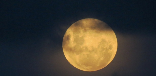 eclipse-lunar-penumbral-visto-de-itapema-sc-1486806972690_615x3005